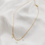 Les trois perles necklace